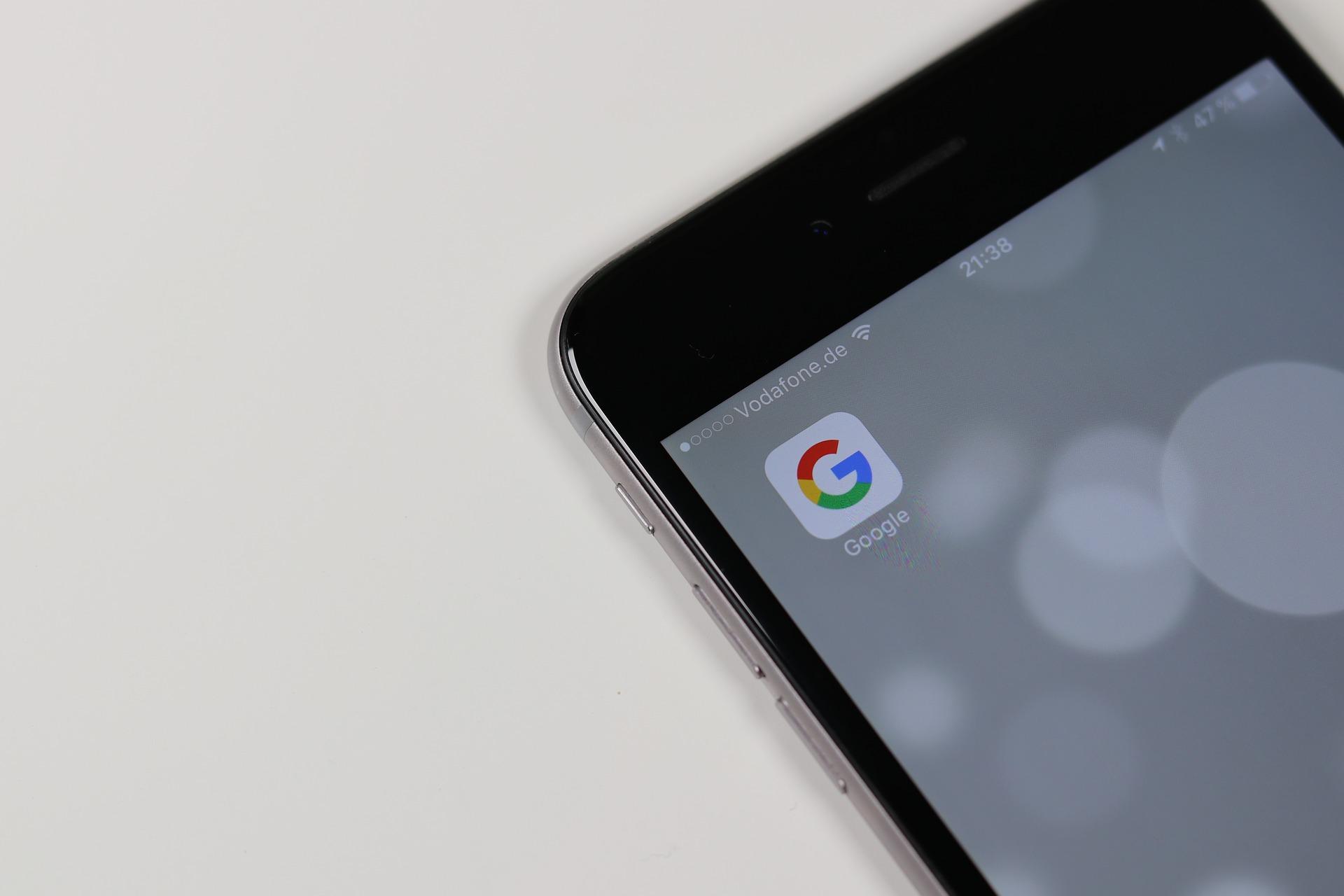 Gugl kaže: Prilagodite sajtove mobilnim telefonima