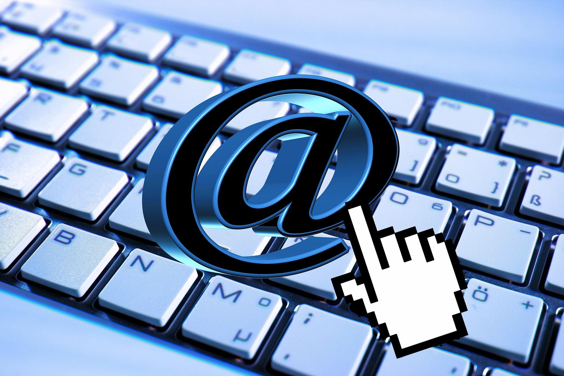 Kako podesiti automatski odgovor na imejlove?