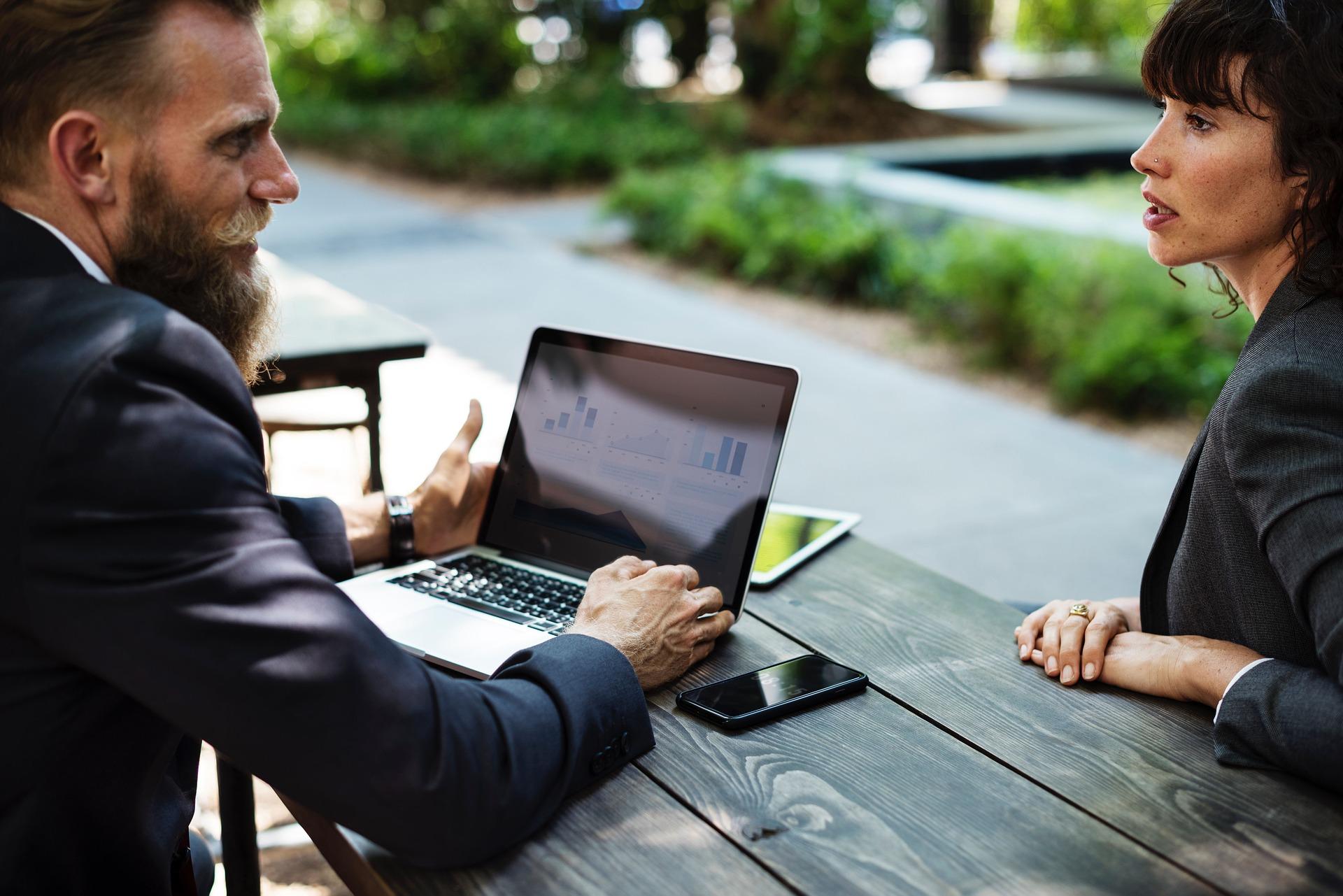 Kako preživeti poslovni sastanak u 4 koraka?
