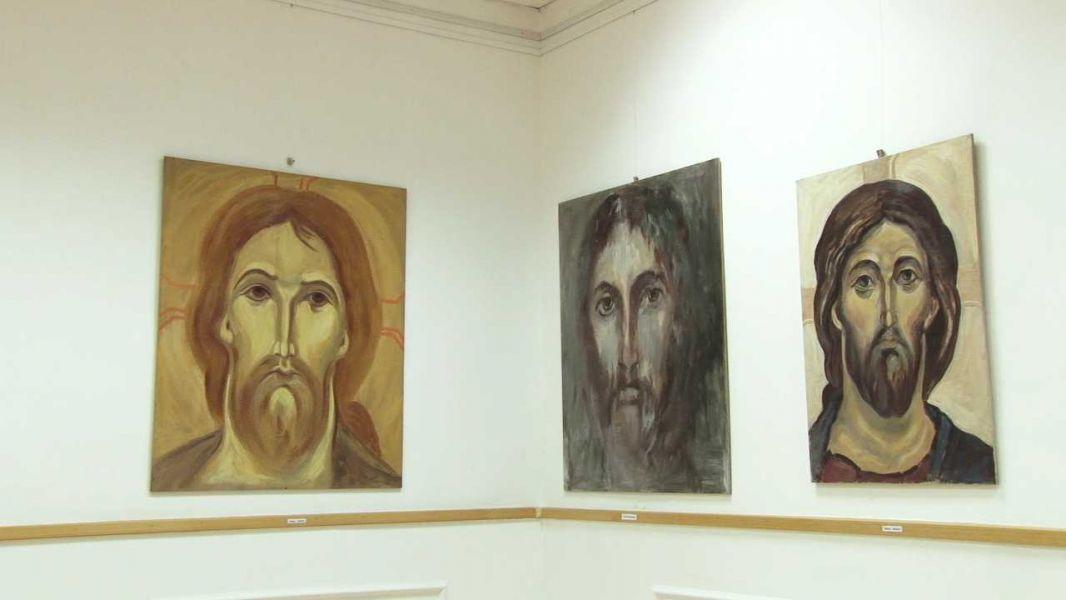 """Stara Pazova: Poseti izložbu """"Ljudsko lice Boga"""""""