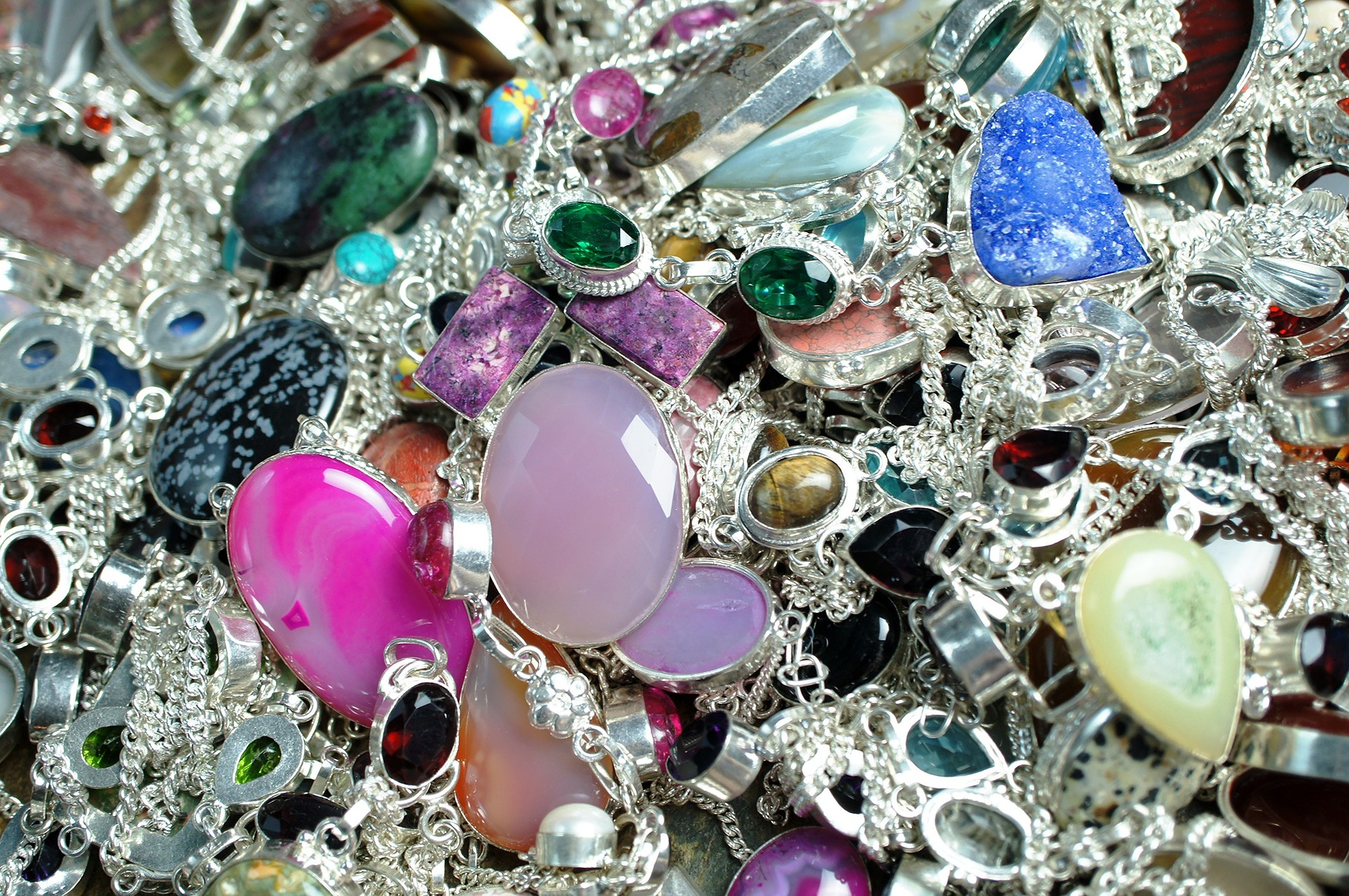 Stvari koje niste znali o ručno rađenom nakitu