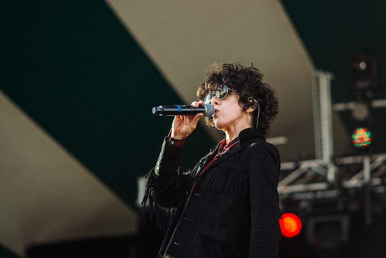 LP: sloboda i elegancija zvižduka muzičke rok dive