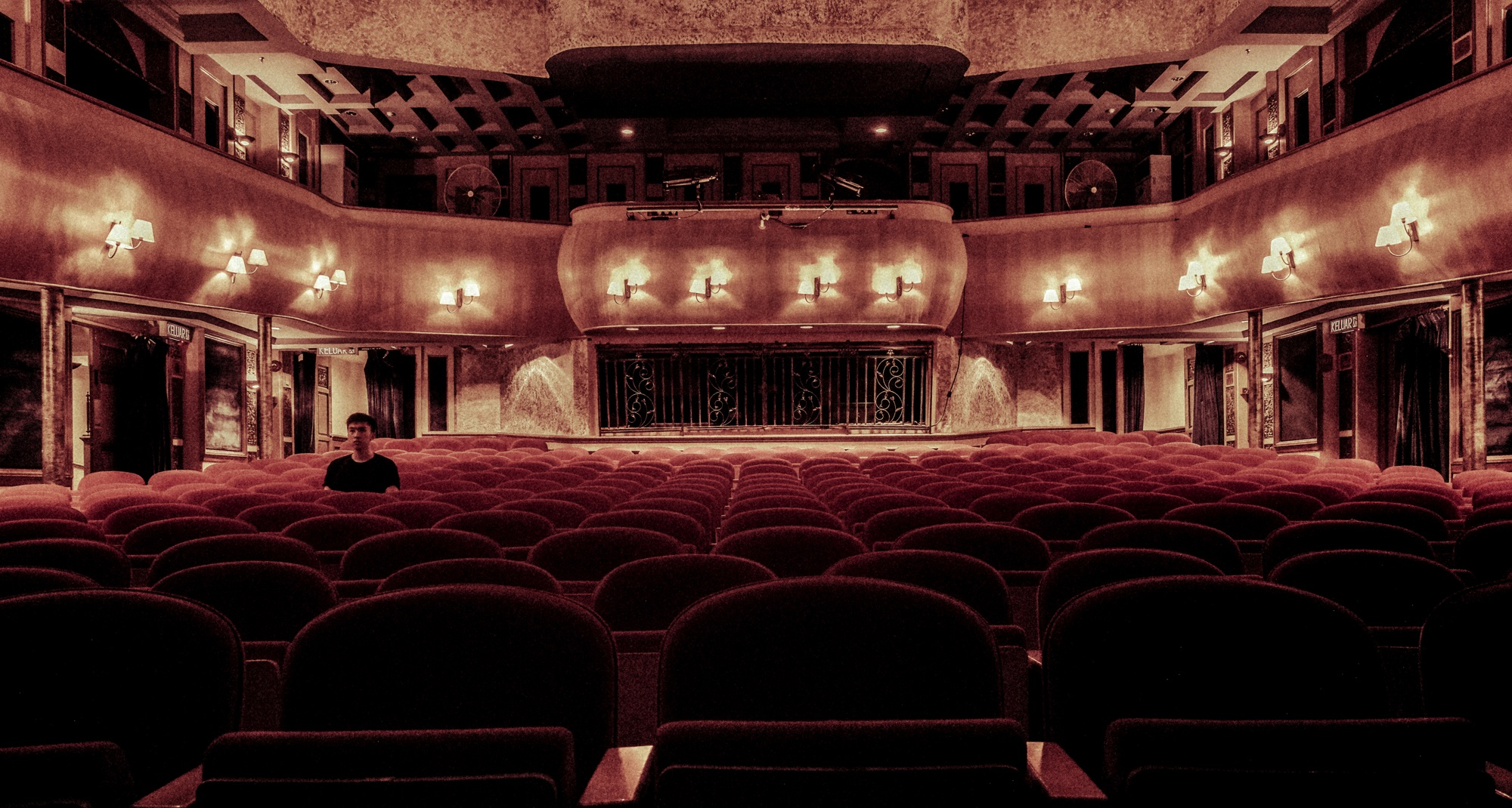 Kako gledati omiljene predstave u toku vanrednog stanja?