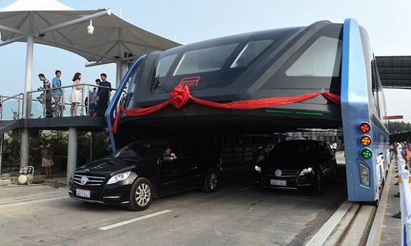 Kineski autobus budućnosti postaje stvarnost!