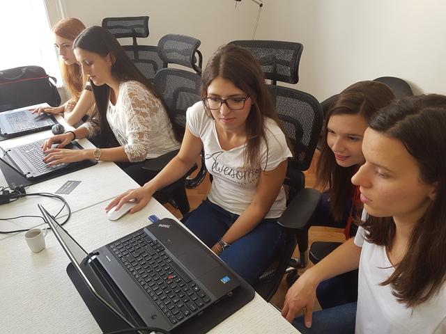 IT Girls Hackathon: Pobednice smislile rešenje!