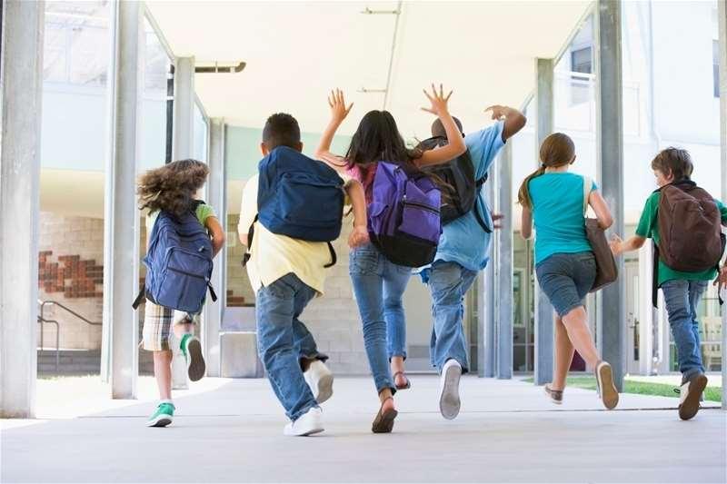 2000 srednjoškolaca radiće u Srbiji!