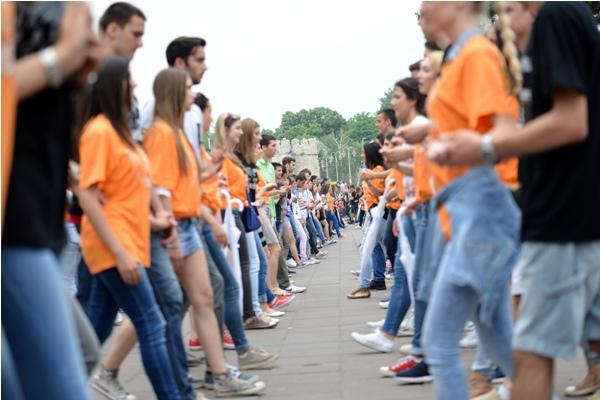 Maturanti širom Srbije plesaće kvadril